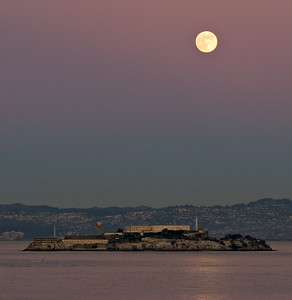 Moon over Alcatraz