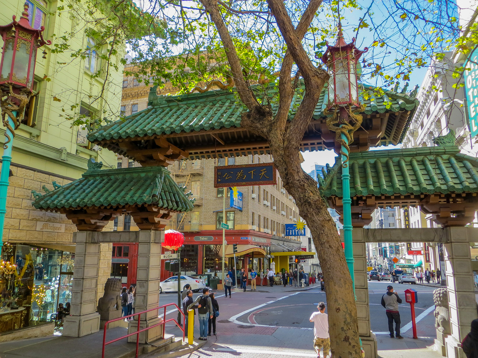 what to pack for san francisco: wear something stylish through china town