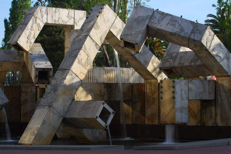 Fountain/sculpture at Justin Herman Plaza