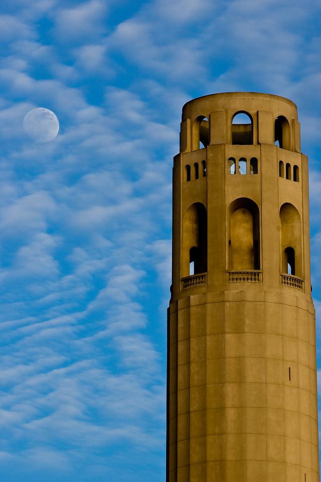Moon hiding, Coit Tower