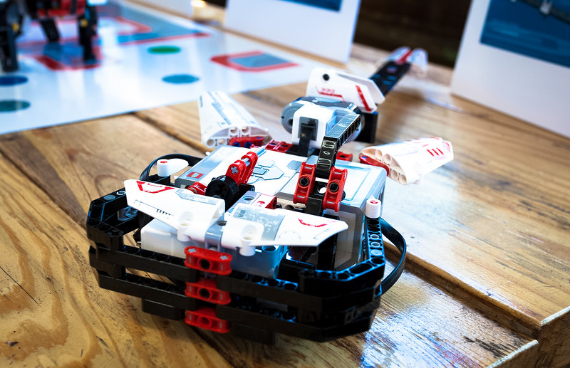 """Lego Mindstorms robot competition<br /> <br />  <a href=""""http://www.fastcompany.com/3016621/fast-feed/facebook-pandora-flickr-autodesk-go-head-to-head-in-legos-robot-building-competiti"""">http://www.fastcompany.com/3016621/fast-feed/facebook-pandora-flickr-autodesk-go-head-to-head-in-legos-robot-building-competiti</a>"""