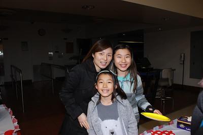 9666 Jennifer Chen with Melanie and Allison Lin