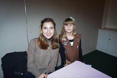 09290 Princess Cole Fox and Victoria Wiweke