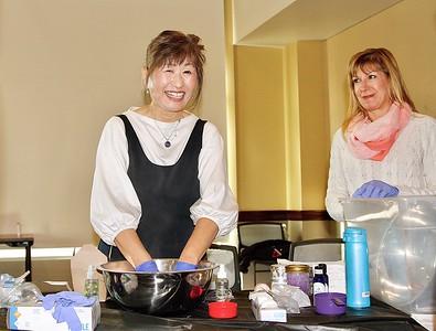 Mayumi Onami enjoying making bath bombs with Maria De Jesu