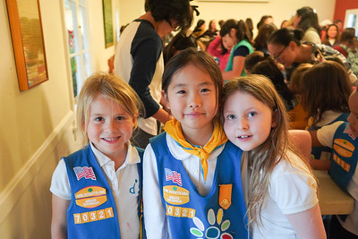 09737 Rylie Neumayer, Kate Lee and Charlotte Holt
