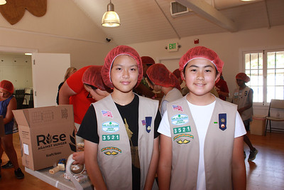 Girl Scouts Prove Eager to Help the Hungry