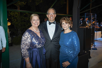 Avery and Andy Barth with Huntington President Karen Lawrence