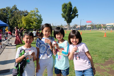 3 Maxwell Hung, Nicole Zhang, Avalynn Shi and Ashley Liang