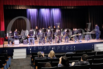 21 Huntington Middle School Jazz Band