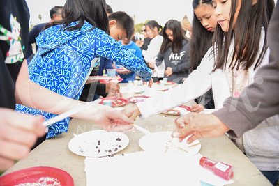 HMS Students Munch Their Noontime Fun