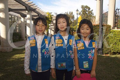6 Hannah Su, Yumi Feng and Alexis Ma