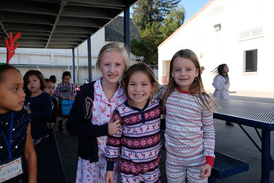 3 Amelia Freeman, Lulu Hoglin and Sloan Zanotti