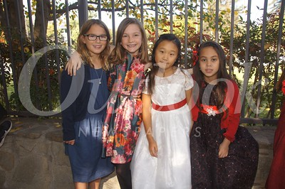 12 Sarah Leizman, Piper Hart, Olivia Seow and Malia Manibog