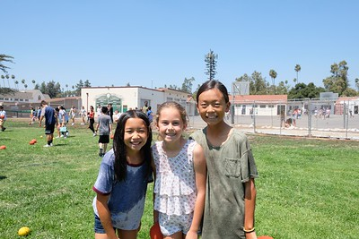 3 Alyssa Lim, Courtney Begerow and Elle Kang