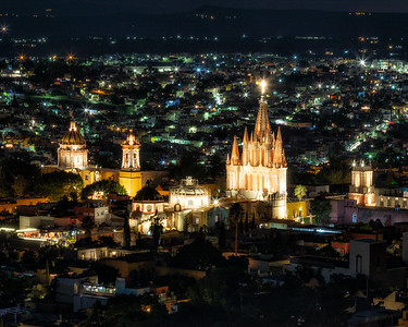 San Miguel de Allende by night