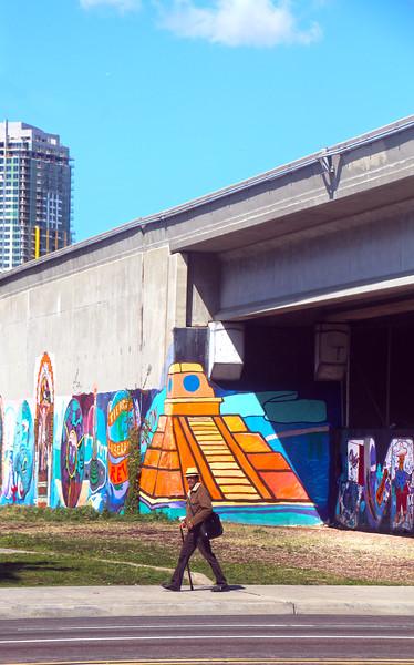 Barrio Logan San Diego, Walker and Mural