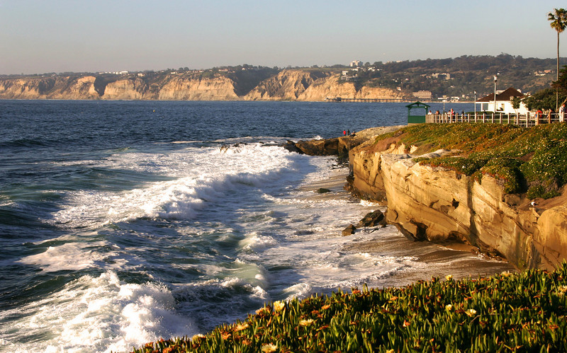 San Diego Beaches, La Jolla Shoreline at Dusk