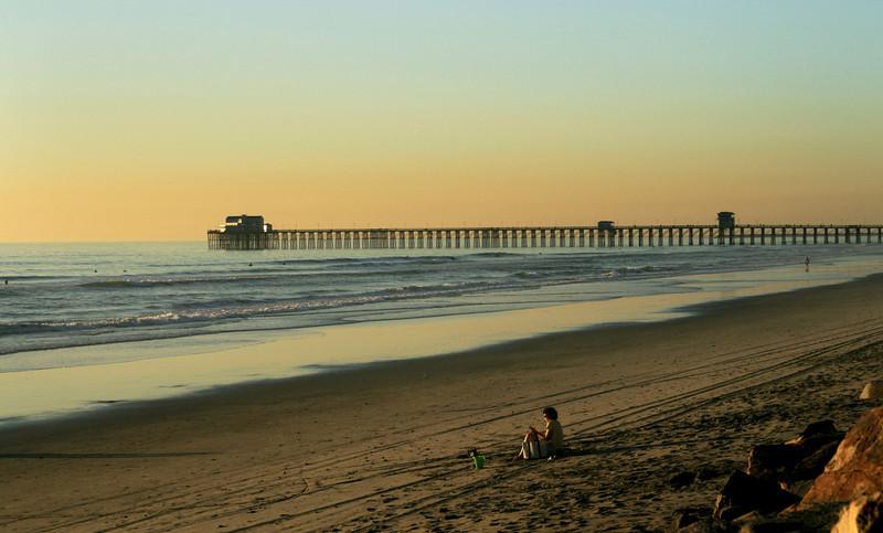 San Diego Beaches, Oceanside Pier, Reading