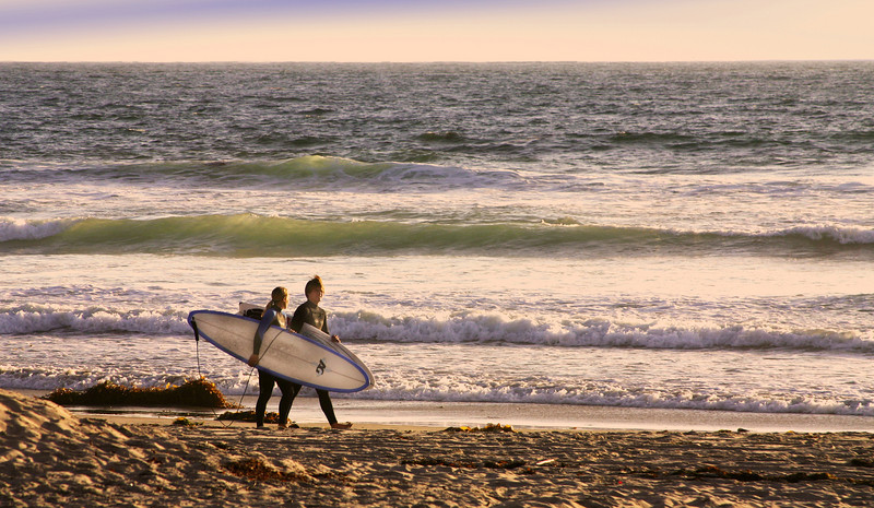 San Diego Beaches, Surfers on Mission Beach