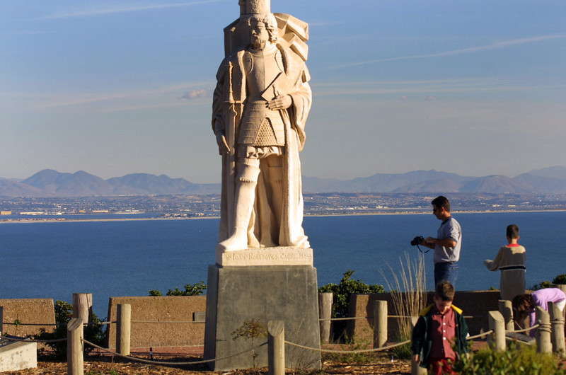 Cabrillo National Monument, Statue with Visitors