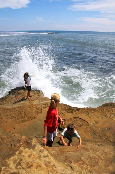 Cabrillo National Monument, Children on Tide Pool Rocks