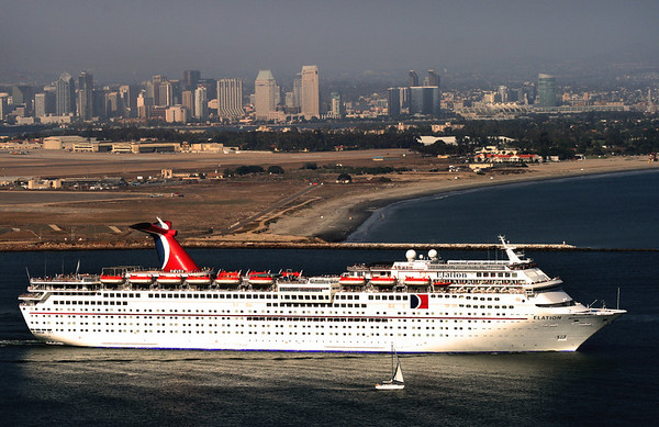 Cruise Ships in San Diego