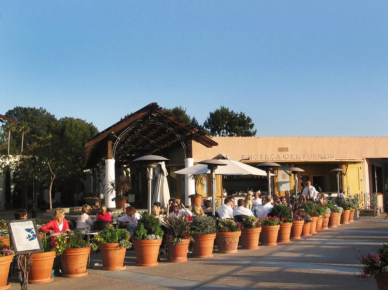 Plaza Del Mar Dining Al Fresco