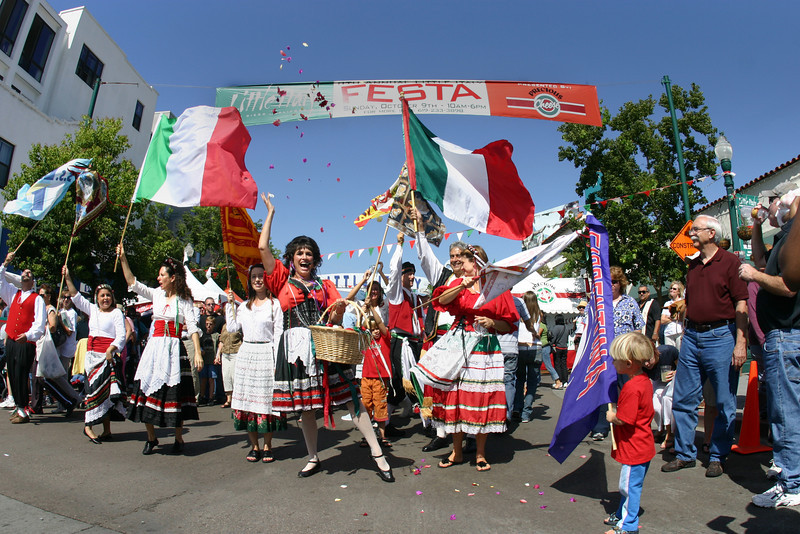 Italian Festival, Little Italy flag procession