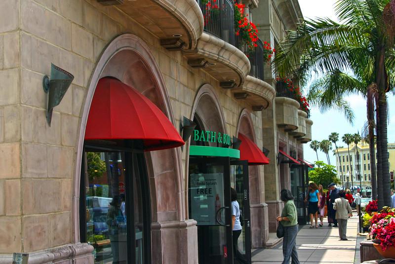 La Jolla, Sidewalk Shoppers