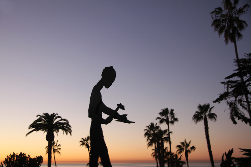 La Jolla Museum of Contemporary Art Statue