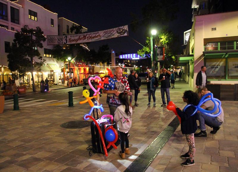San Diego Little Italy, Kids & Balloons