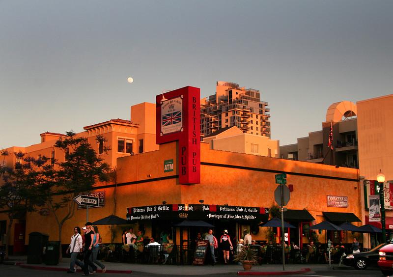 San Diego Little Italy, Princess Pub
