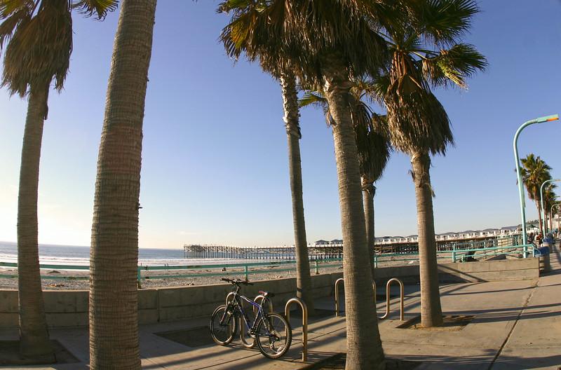 Pacific Beach San Diego, Bike with Crystal Pier