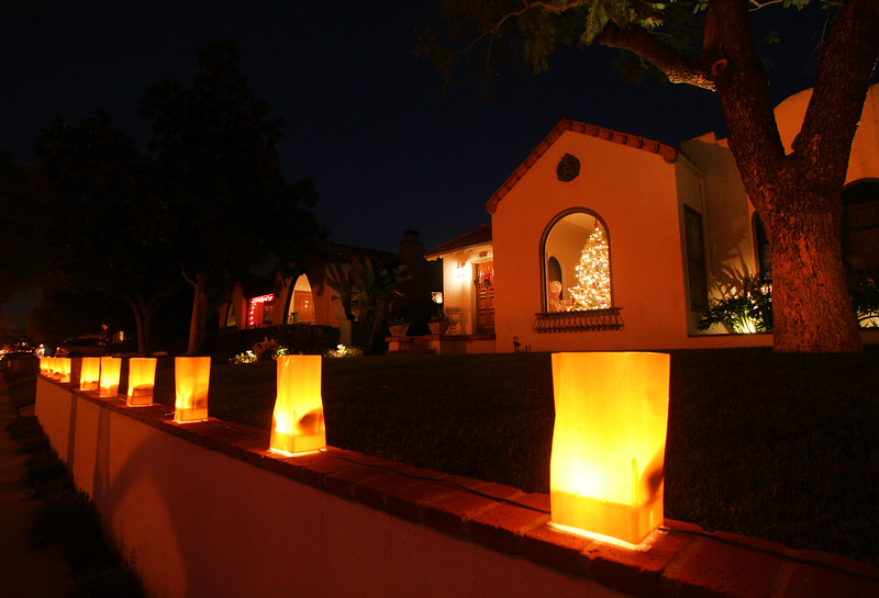 San Diego for the Holidays, Luminarias, San Diego Kensignton Neighborhood