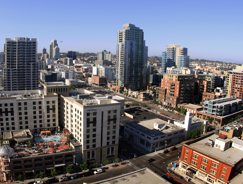 San Diego Downtown, View on City & Solamar Rooftop Bar & Pool