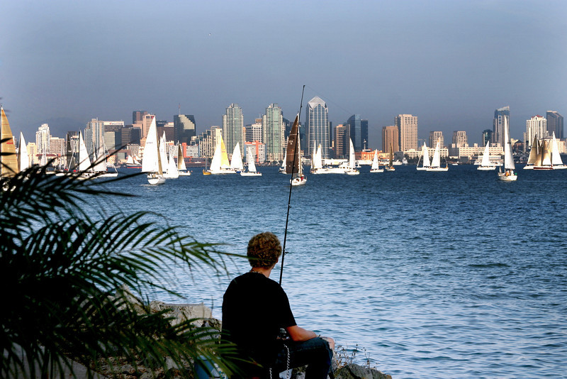 Shelter Island, Angler with View on Skyline