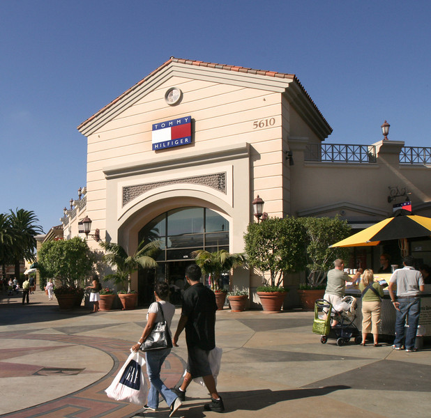 San Diego Shopping, Carlsbad Premium Outlets & Shoppers
