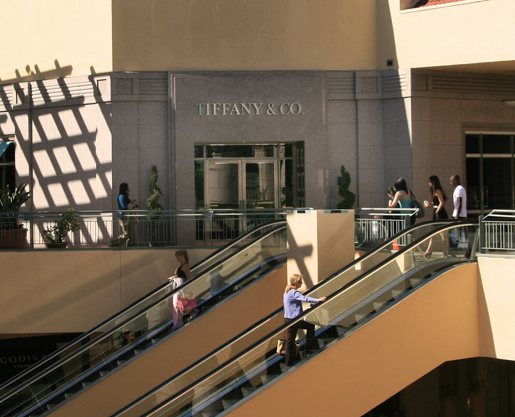 San Diego Shopping, Fashion Valley Shoppers, landscape view
