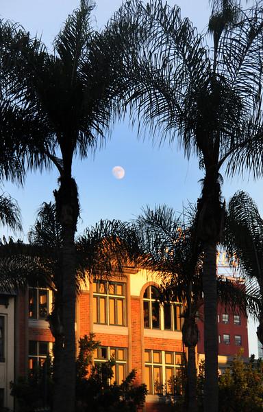 San Diego Gaslamp Quarter, Moon over Gaslamp Buildings
