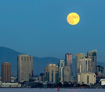 San Diego skyline and Harvest Moon 2020