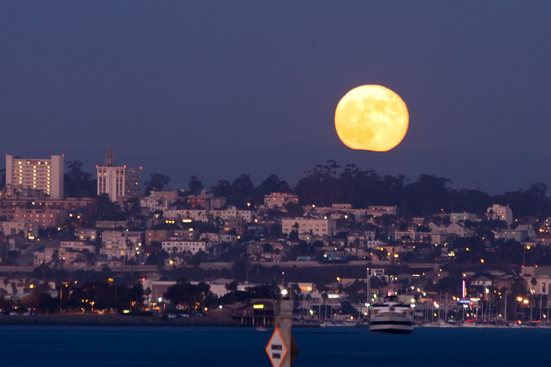 The Harvst Moon over San Diego