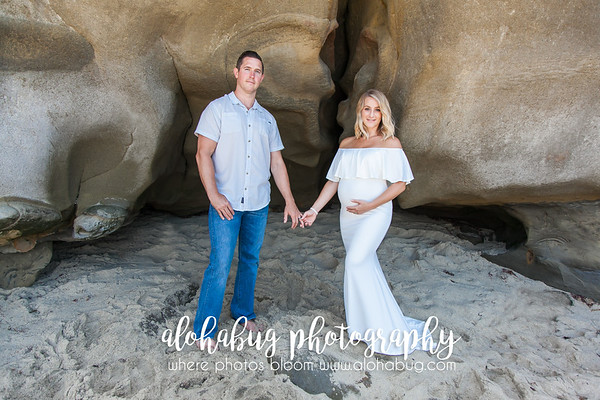 Maternity Photos at La Jolla Cove by AlohaBug Photography