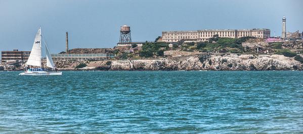 sailing-alcatraz