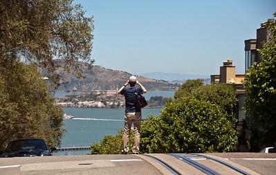 alcatraz-tourist