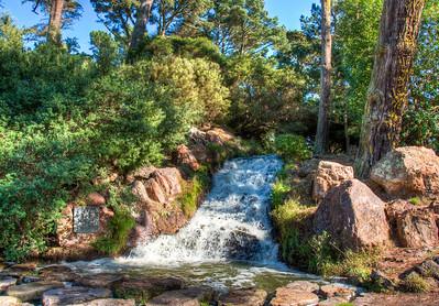 park-waterfall