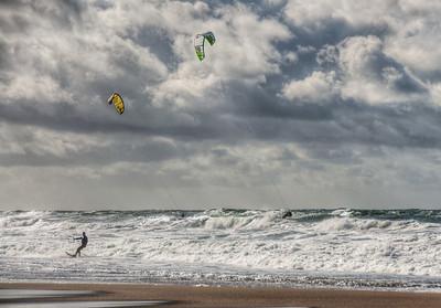 beach-kite-surfing-4
