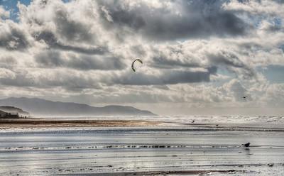 beach-kite-surfing
