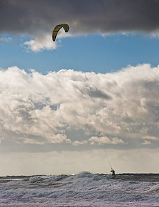 beach-kite-surfing-3