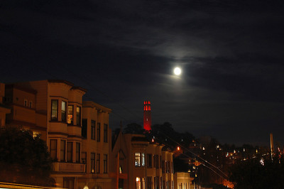 coit-tower-moon