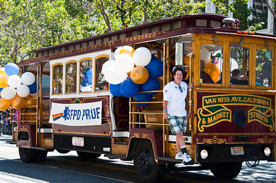 parade-cable-car